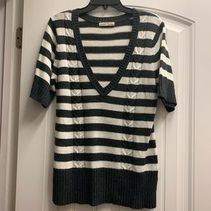 Old Navy gray & white striped v neck sweater XL